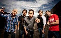 Simple Plan may not exactly be critical darlings, but they know how to serve up a catchy pop tune.