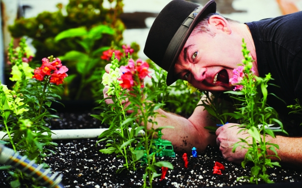 Anchorman's David Koechner gets down and dirty.