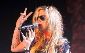 Ke$ha performs in Europe--all that glitters...